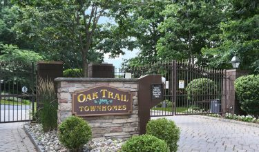48 Hidden Ledge Rd, Eng--#1, Welcome to Oak Trail!